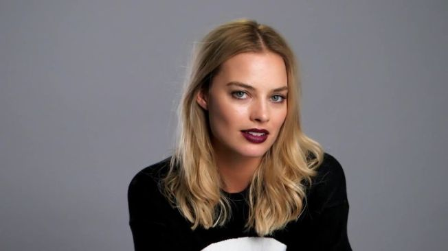 w_Margot-Robbie-Auditions-for-Marlon-Brando-s-Role-in-On-the-Waterfront